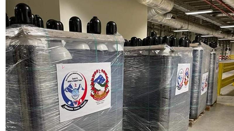ओमानबाट पठाइएका ५६० अक्सिजन सिलिन्डर आज सरकारलाई बुझाइने